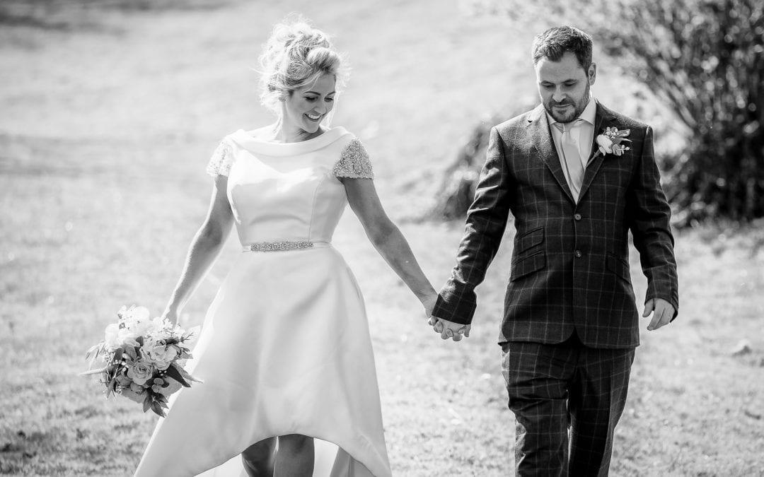 Lifestyle Wedding Photographer – How I Work On Your Wedding Day